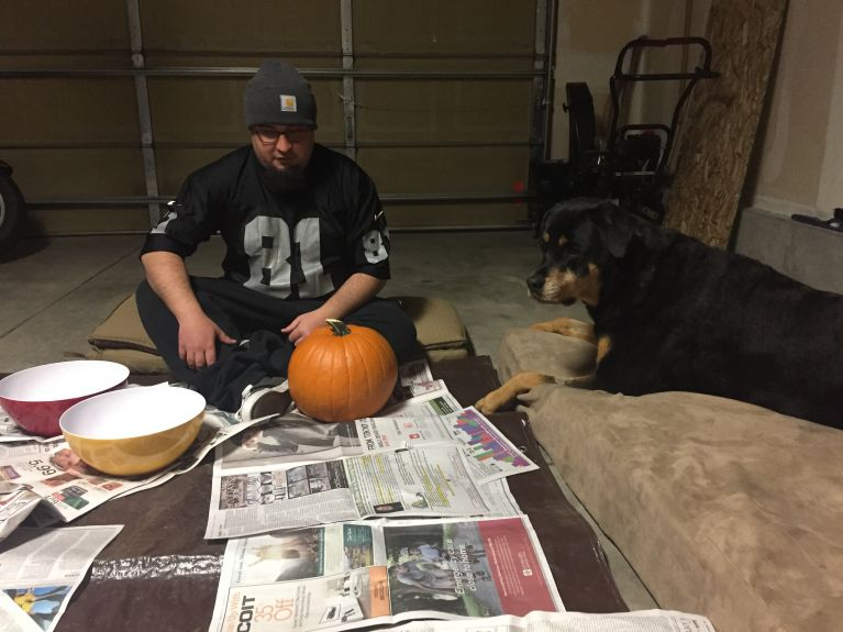 I am giving Justin pointers on how to carve :>).